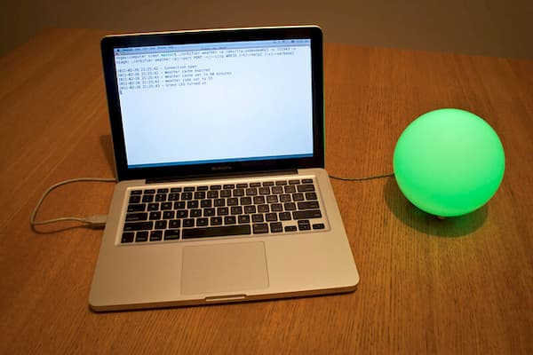 Green internet-connected lamp